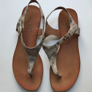Also flats. Size 37.